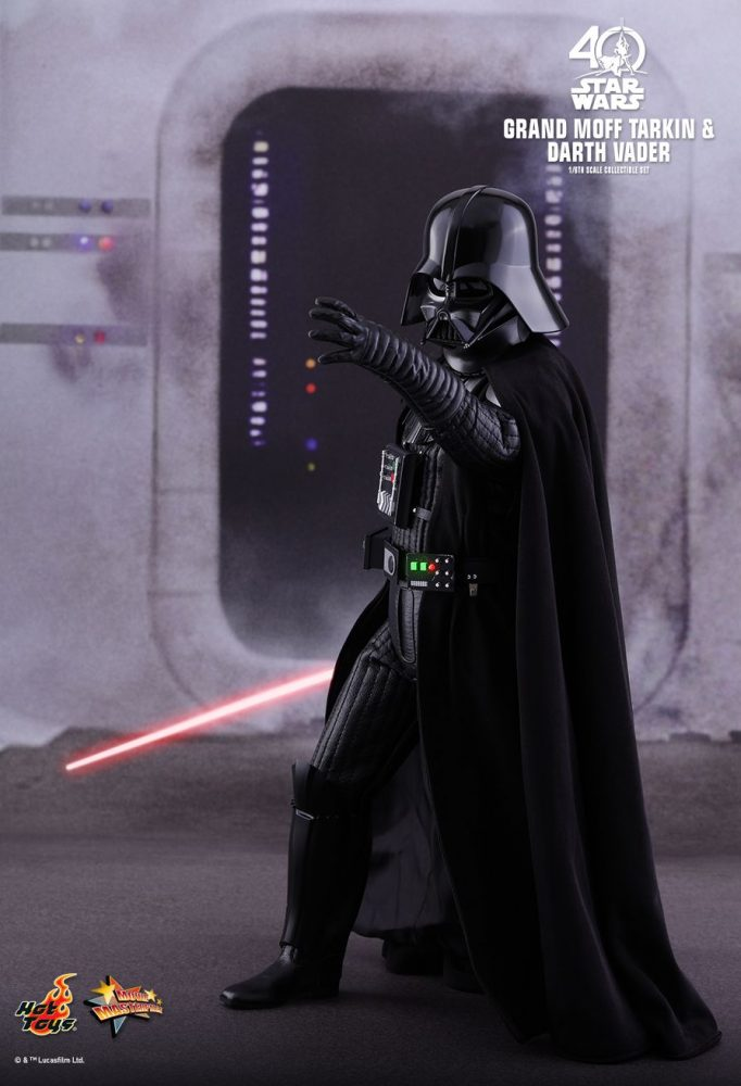 Hot Toys; Grand Moff Tarkin ve Darth Vader Collectible Set fotoğrafları yayında!