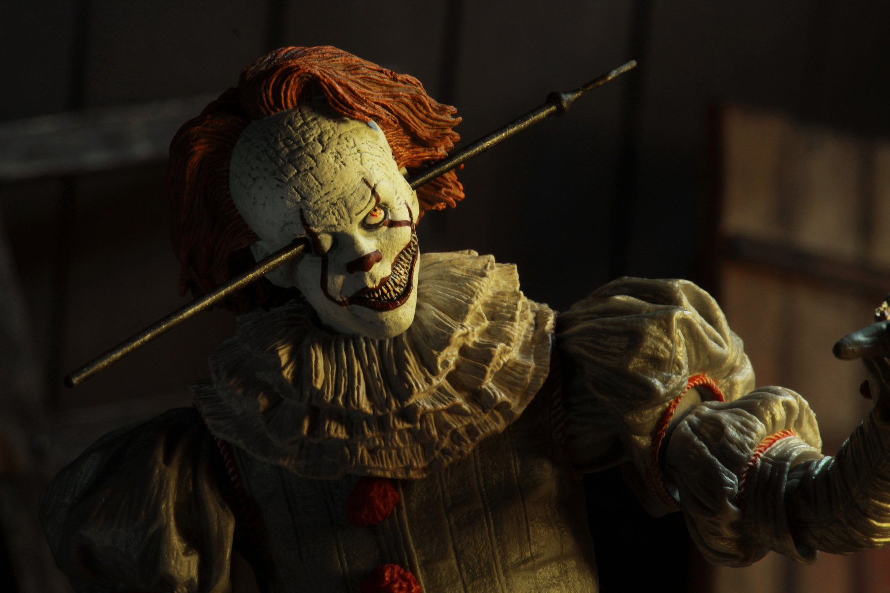 NECA: IT 2017 – Ultimate Well House Pennywise Figürü!