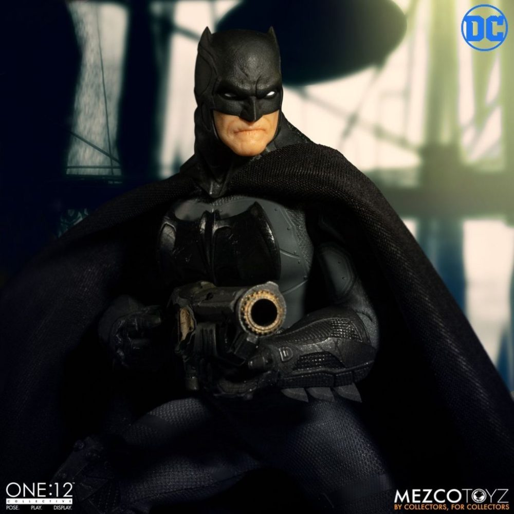 Mezco: One:12 DC Comics Supreme Knight Batman Figürü Ön-Siparişde!